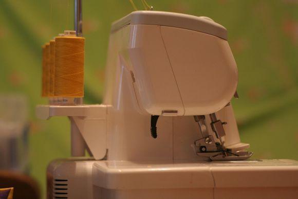 O curso de corte e costura está entre as qualificações abertas (Foto Ilustrativa)