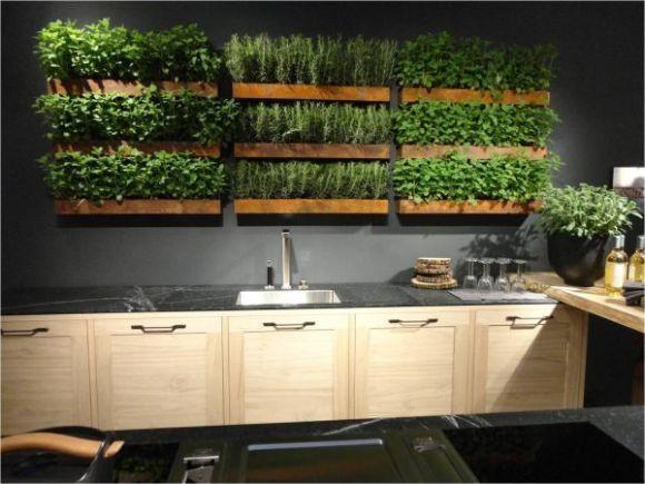 A parede verde deixa a cozinha ainda mais sofisticada (Foto Ilustrativa)