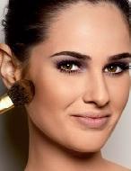 Tutorial de maquiagem: aprenda afinar o rosto