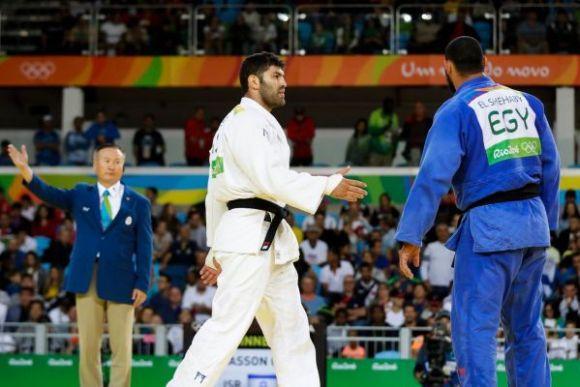 O judoca egípcio chateado com a derrota (Foto Ilustrativa)