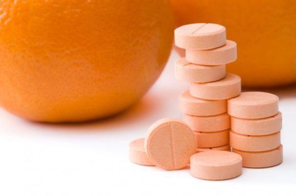 Além de fortalecer o sistema imunológico, a vitamina C em comprimidos também traz benefícios para os fios (Foto Ilustrativa)
