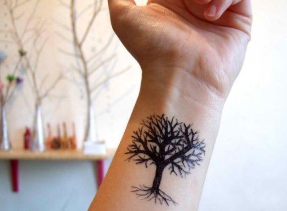 Os homens também gostam de se tatuar nessa parte do braço (Foto Ilustrativa)