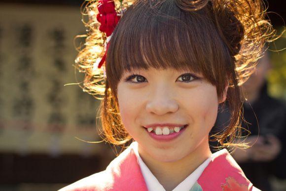 A moda dos dentes tortos no Japão fez um grande sucesso (Foto Ilustrativa)