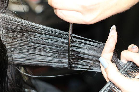Quem gosta de cuidar dos cabelos também encontra boas opções de qualificação (Foto Ilustrativa)
