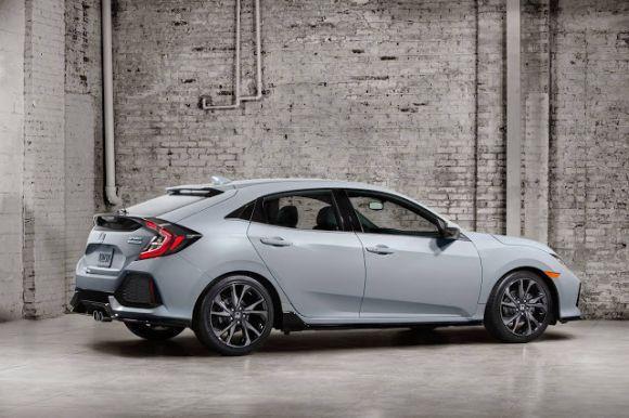 O modelo tem como base a nova geração do Civic, que já havia ganhado os modelos sedã e coupê (Foto: Divulgação Honda)