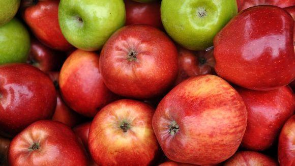Escolha maçãs de boa qualidade para preparar o seu bolo (Foto Ilustrativa)