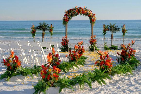 O casamento na praia também costuma ter uma decoração bem simples (Foto Ilustrativa)