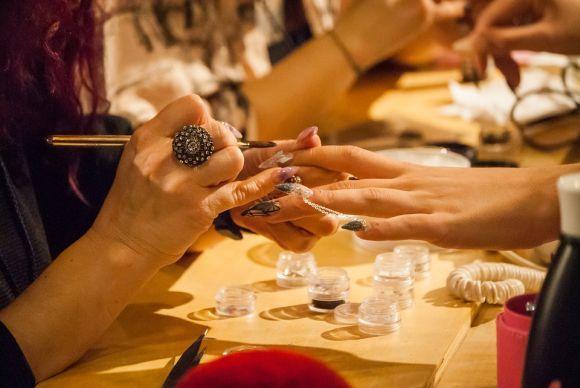 Curso de Manicure está entre as opções (Foto Ilustrativa)