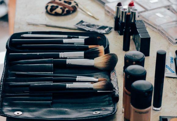 O Curso de Maquiagem também tem vagas abertas (Foto Ilustrativa)