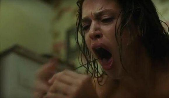 A atriz Matilda Lutz protagoniza a nova sequência da franquia de terror (Foto: Divulgação Paramount Pictures)