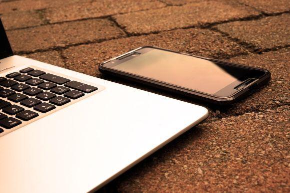 As aulas podem ser acompanhadas pelo computador, smartphone ou tablet (Foto Ilustrativa)