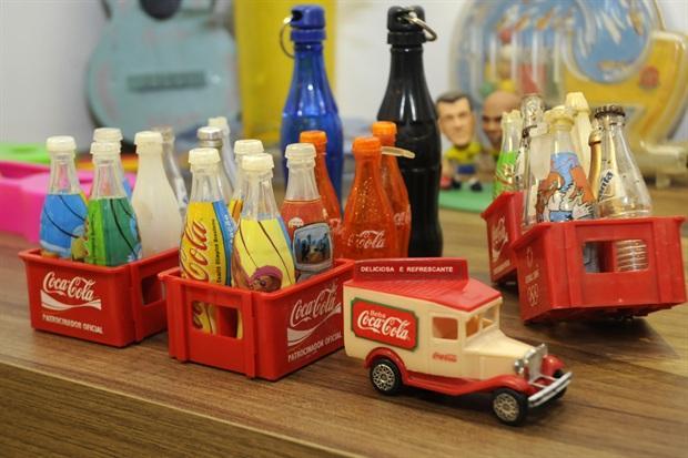 As miniaturas de Coca-Cola eram a cara dos anos 90 (Foto: Divulgação)