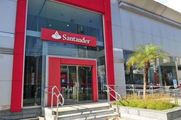 O Santander está à procura de jovens talentos (Foto: Reprodução)