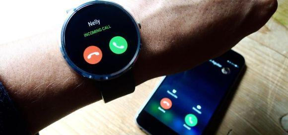 Os relógios inteligentes funcionam como uma extensão do celular (Foto: Reprodução)