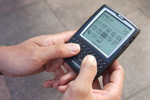 BlackBerry 5810 e seu famoso teclado QWERTY (Foto: Reprodução)