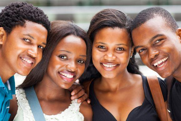 As oportunidades são destinadas aos universitários negros (Foto Ilustrativa)