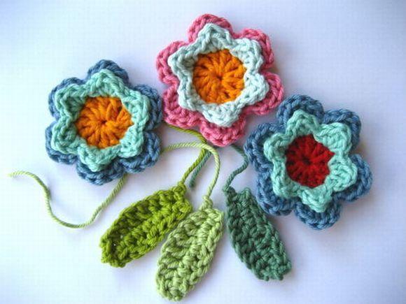 As flores de crochê podem ter várias utilidades (Foto Ilustrativa)