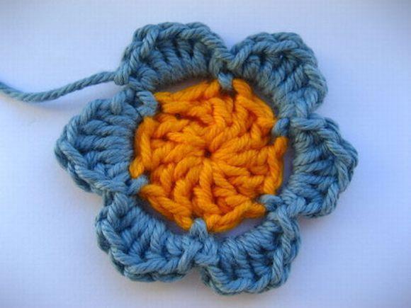Você pode até ganhar uma grana extra vendendo flores de crochê (Foto Ilustrativa)