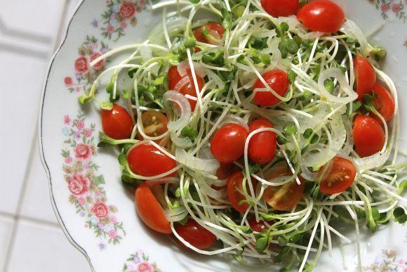Você pode usar o vinagre para temperar suas refeições (Foto: Ilustrativa)