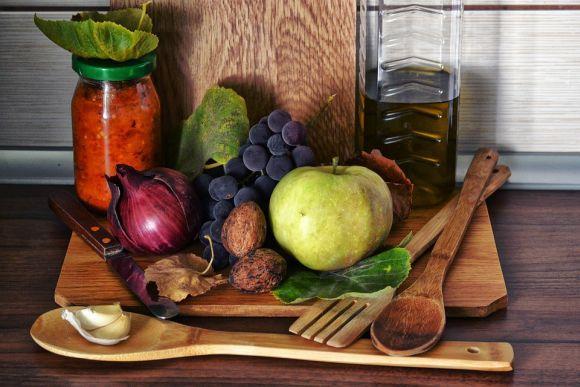 Frutas, legumes, verduras e outros alimentos crus trazem vários benefícios para a saúde (Foto Ilustrativa)
