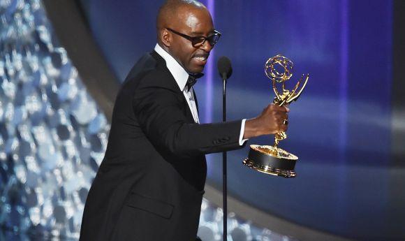 Courtney B. Vance ficou com o prêmio de melhor ator de minissérie (Foto: Reprodução)