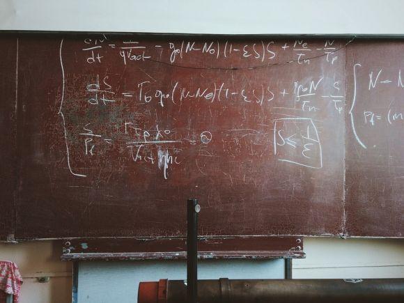 Os conteúdos do novo ensino médio serão divididos em cinco áreas, entre as quais a de Matemática (Foto Ilustrativa)