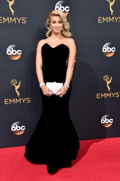Tori Kelly (Foto: Reprodução Emmy Awards)