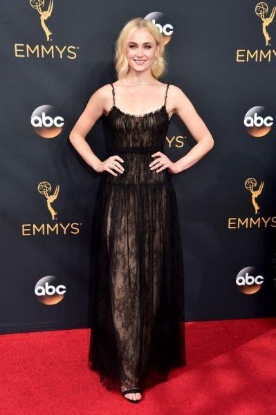 Sophie Turner (Foto: Reprodução Emmy Awards)