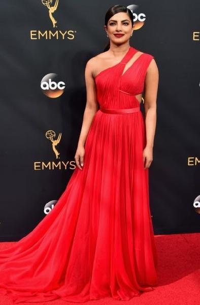 Priyanka Chopra (Foto: Reprodução Emmy Awards)