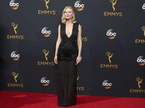 Looks das famosas no Emmy 2016 (Foto: Reprodução Emmy Awards)