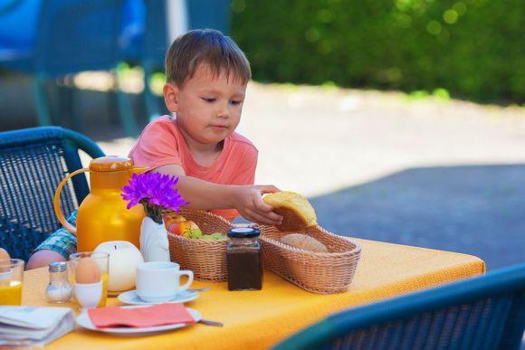 Estabeleça horários para lanches e refeições (Foto Ilustrativa)
