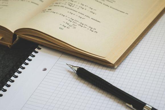 O curso online de Matemática é uma das alternativas (Foto Ilustrativa)