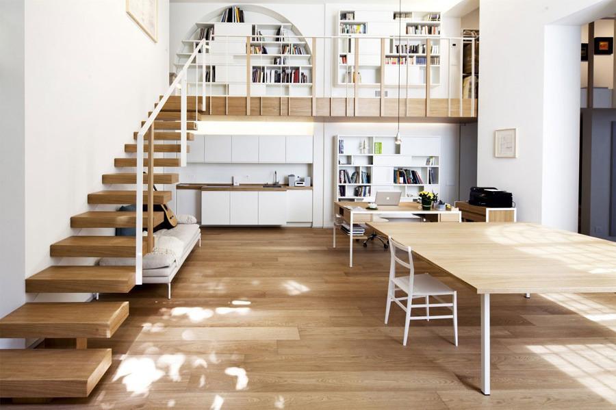 Confira esse lindo modelo de mezanino e veja como os livros podem ajudar a compor o espaço (Foto: Divulgação)