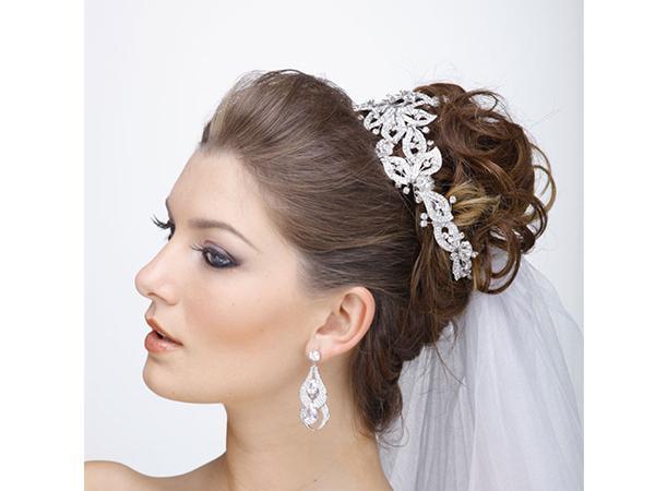 Penteado para noiva no topo da cabeça (Foto: Divulgação)
