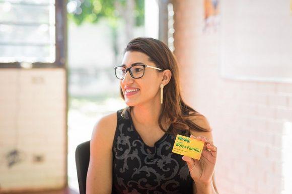 A data de recebimento do benefício varia de acordo com o último dígito do NIS (Foto: Reprodução Portal Brasil)