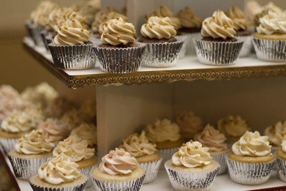 As festas de aniversário e casamento costumam ter muitas opções de cupcakes (Foto Ilustrativa)
