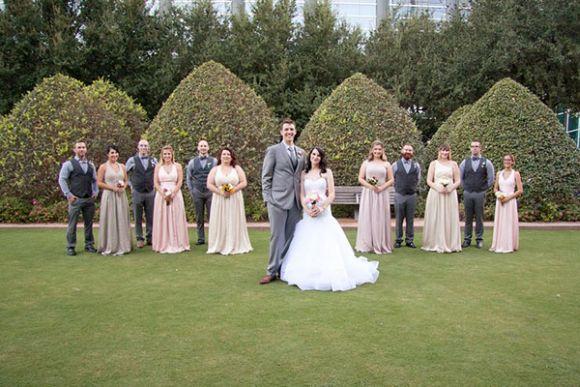 O vestido da noiva foi inspirado na Cinderela (Foto: Reprodução internet)