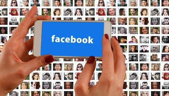 Além do acesso bloqueado, o Facebook também está sujeito a pagar uma multa de R$ 30 mil por dia de descumprimento da sentença (Foto Ilustrativa)