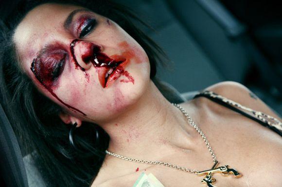 As maquiagens que imitam cortes e ferimentos têm feito sucesso (Foto Ilustrativa)
