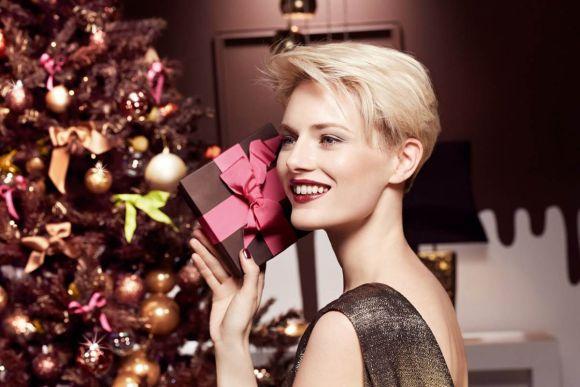 As maquiagens ajudam a criar belos looks de Natal (Foto Ilustrativa)