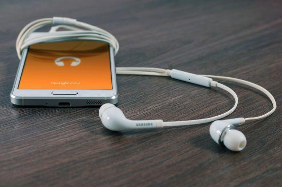 Os smartphones prometem ser, mais uma vez, o produto mais procurado na data de descontos (Foto Ilustrativa)