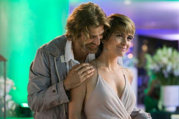 Reynaldo Giannechini e Cláudia Abreu dão vida aos protagonistas de A Lei do Amor (Foto: Reprodução GShow)