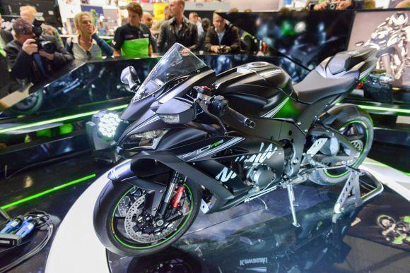 Kawasaki Ninja ZX-10 RR (Foto: Divulgação Intermot)