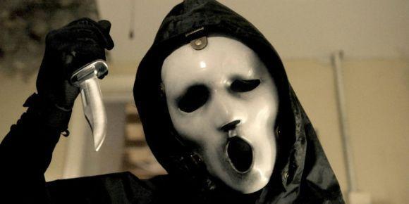 Baseada no filme Pânico, a série Scream vai ganhar a terceira temporada (Foto: Divulgação MTV)