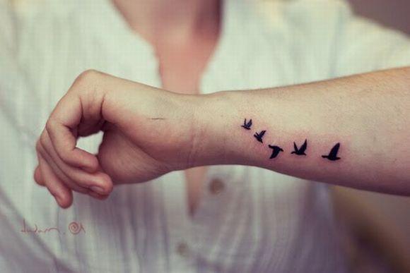 20 tatuagens com desenhos de pássaros (Foto Ilustrativa)