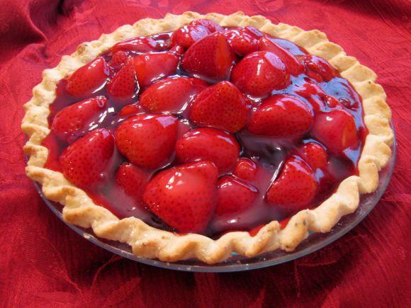 A famosa torta de morango tem várias versões (Foto Ilustrativa)