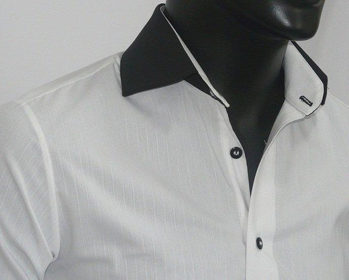 A gola da camisa servia para pendurar ela (Foto: Divulgação)
