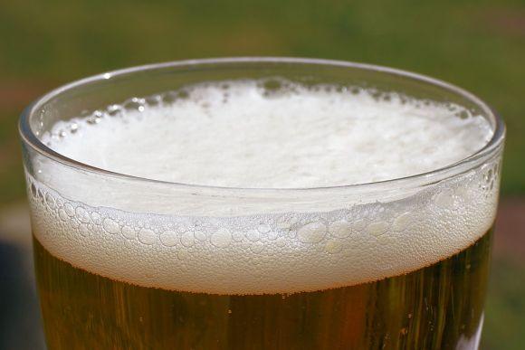 Bebidas alcoólicas e gasosas também provocam bastante inchaço (Foto Ilustrativa)
