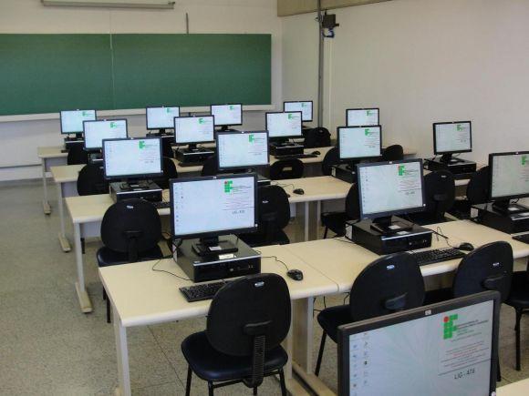 Os alunos do Instituto têm à disposição laboratórios modernos e bem equipados (Foto: Reprodução IFSP)