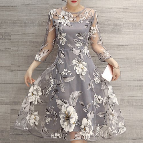Vestido rodado com estampa de flores (Foto Ilustrativa)